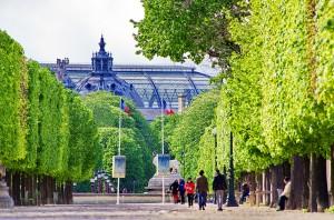 Let's take a walk through the Tuileries Gardens!